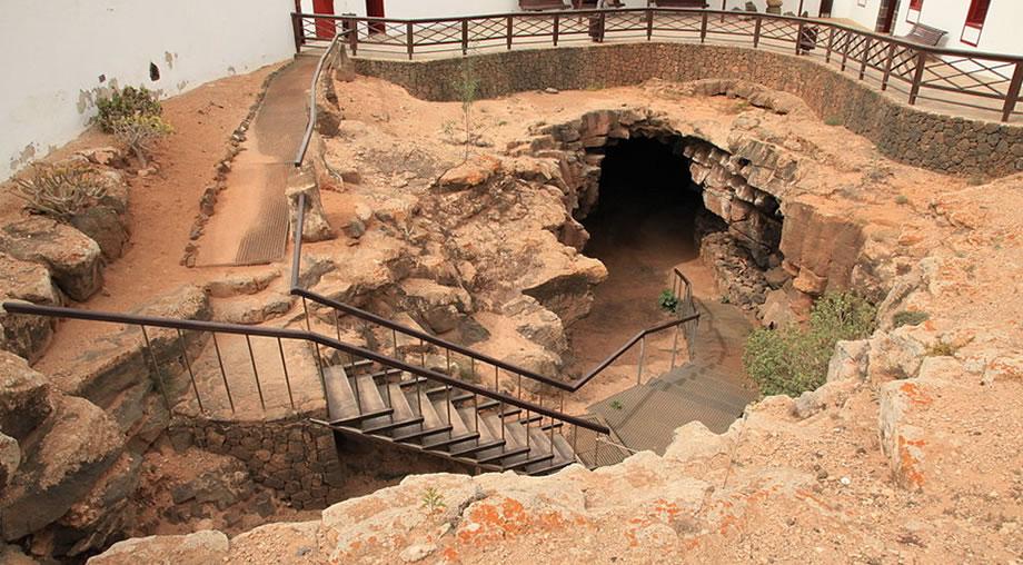 cueva del llano fuerteventura