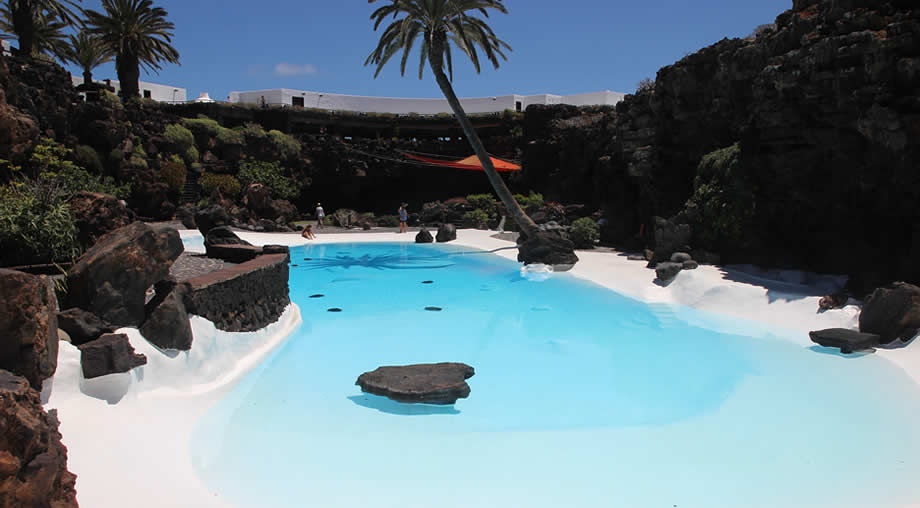 lanzarote weather in august