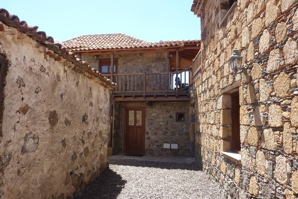 stone-house-tenerife-airbnb