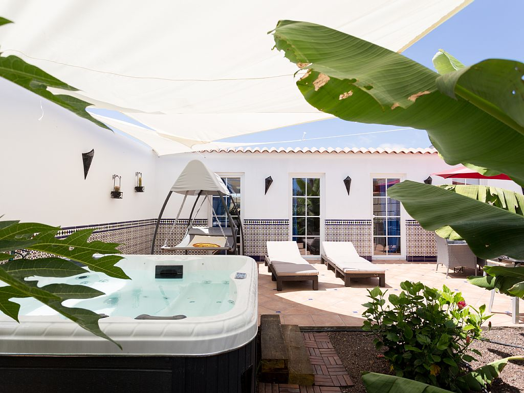 villa-la-camella-tenerife-canary-islands