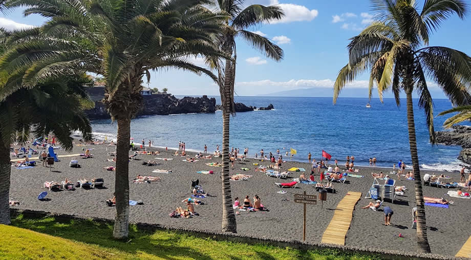 la-arena-beach-puerto-de-santiago-tenerife-january.jpg (121 KB)